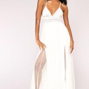 NWOT Fashion Nova white double slit dress